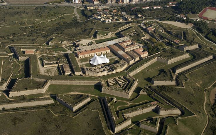 castell de sant ferran figueres - Google zoeken