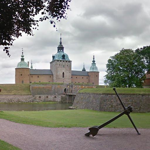 Helgo Nikolaus Zettervall, Kalmar Castle, Kalmar, Sweden - street view  Want my own pic of this anchor!