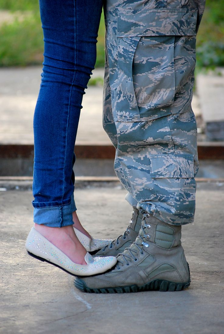 Military engagement photo. Shellie Barnes Photography
