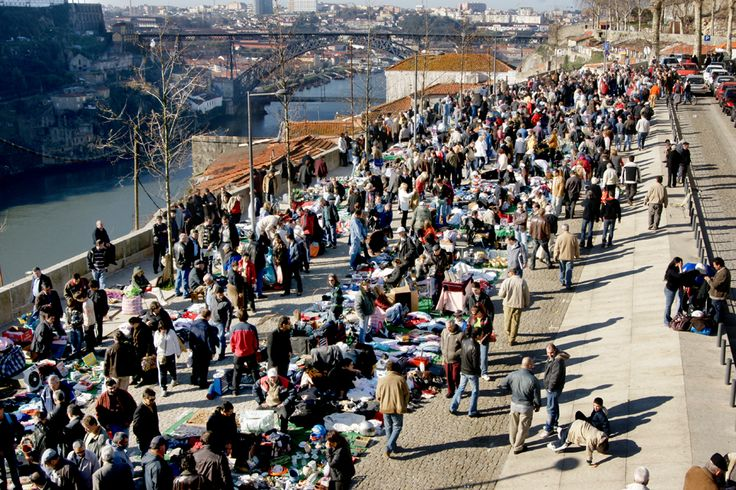 Vandoma flea market street market is a must-see in Porto where you can find everything. Make sure your stay in the city includes a Saturday!