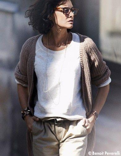 """Ines - Inès de la Fressange, la """"Parisienne"""" en Provence - Elle Décoration. Neutral layers, khaki pants"""