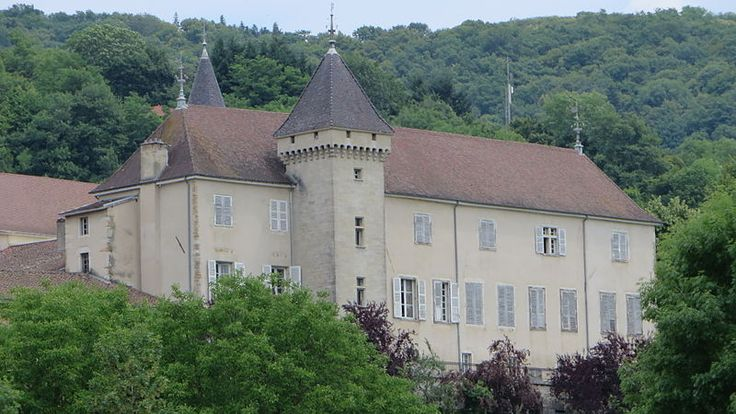 Château de la Tour-des-Echelles situé à Jujurieux