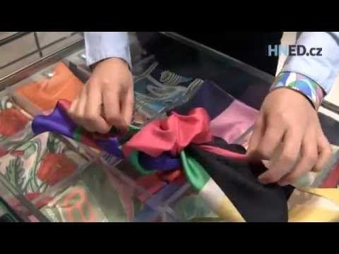 Květina kolem krku. Pět způsobů, jak originálně uvázat módní šátek - YouTube