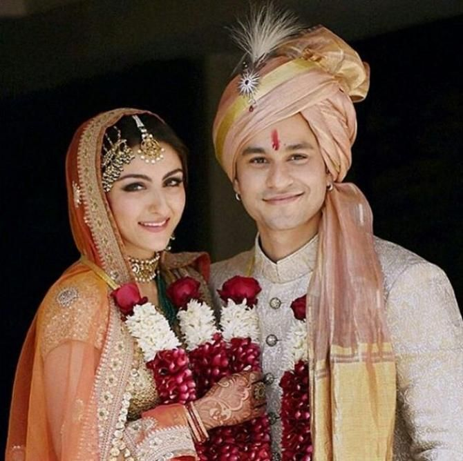 Mom-To-Be Soha Ali Khan Reacts To Being Compared To Bhabhi Kareena Kapoor Khan's Pregnancy
