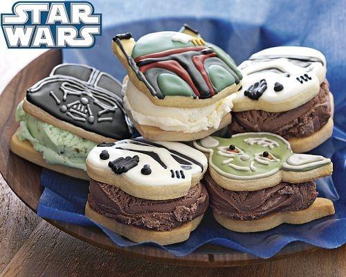 May the 4th and the cookies be with you! Ideas para utilizar el molde de galletas de Star Wars por Williams-Sonoma
