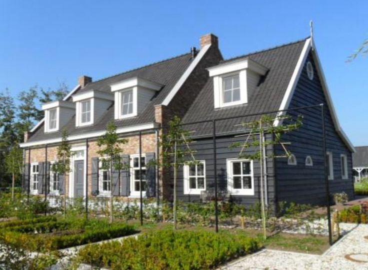 Sfeerbeelden huis / bomen voor gevel / detail dakkapel