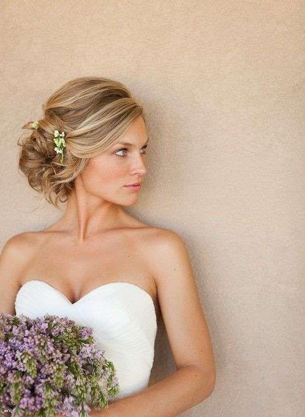 Acconciature sposa autunno  (Foto 39/40)   Donna