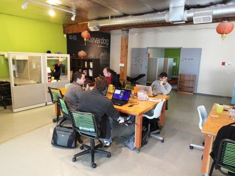 Ambient noise boosts creativity | Deskmag | Coworking