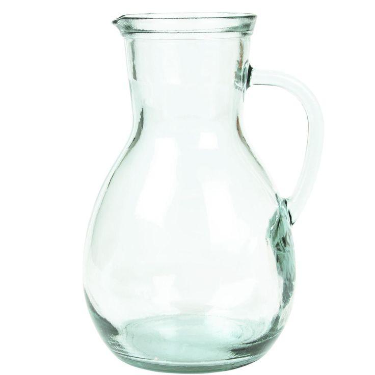 Die Authentic-Glasserie macht ihrem Namen alle Ehre. Denn bei Tellern, Schüsseln, Trink- und Aufbewahrungsgläsern, Krug, Vasen und Kerzenhaltern präsentiert sich das Glas in seiner natürlichen Schönheit: leicht grünlich schimmernd, mit kleinen Luftbläschen hier und da. Dazu passen die zeitlosen Formen - ganz unkompliziert zu kombinieren mit dem Landhausstil, mit dem skandinavischen Look oder auch mit Retro-Interieurs.