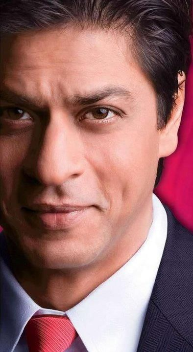 SRK - the more I see of him, the more I like him.  No wonder he's one of the biggest stars.  Great actor.
