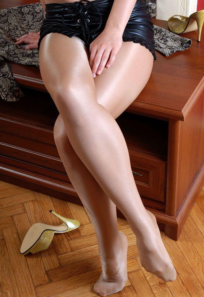 Галерея нога на ногу Вами