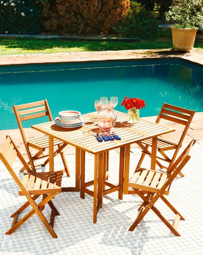 Comedor de terraza, plegable en madera natural. Te invitamos a disfrutar el verano a un costado de la piscina.  ¡Visítanos en Easy.cl!  #Terraza  #Deco #Primavera  #Verano #Muebles #Sol #Piscina #Hogar #Easytienda #Tiendaeasy