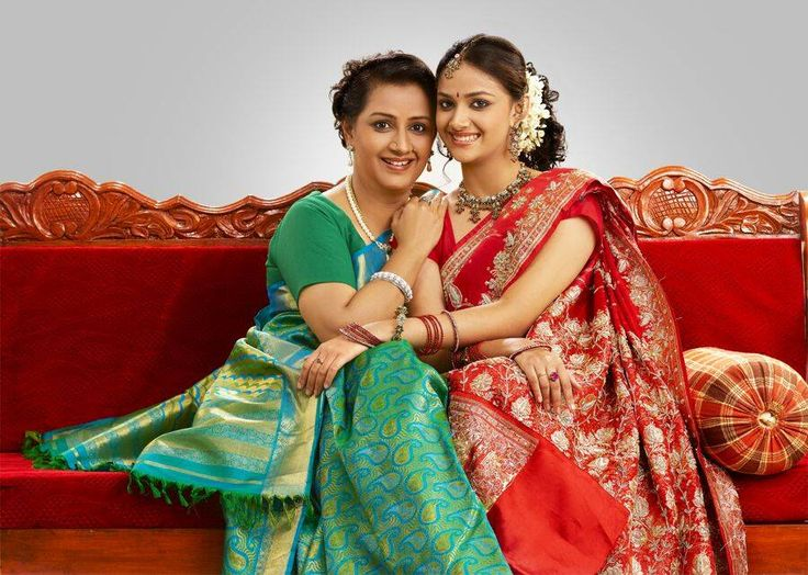 Keerthi Suresh With her Mother