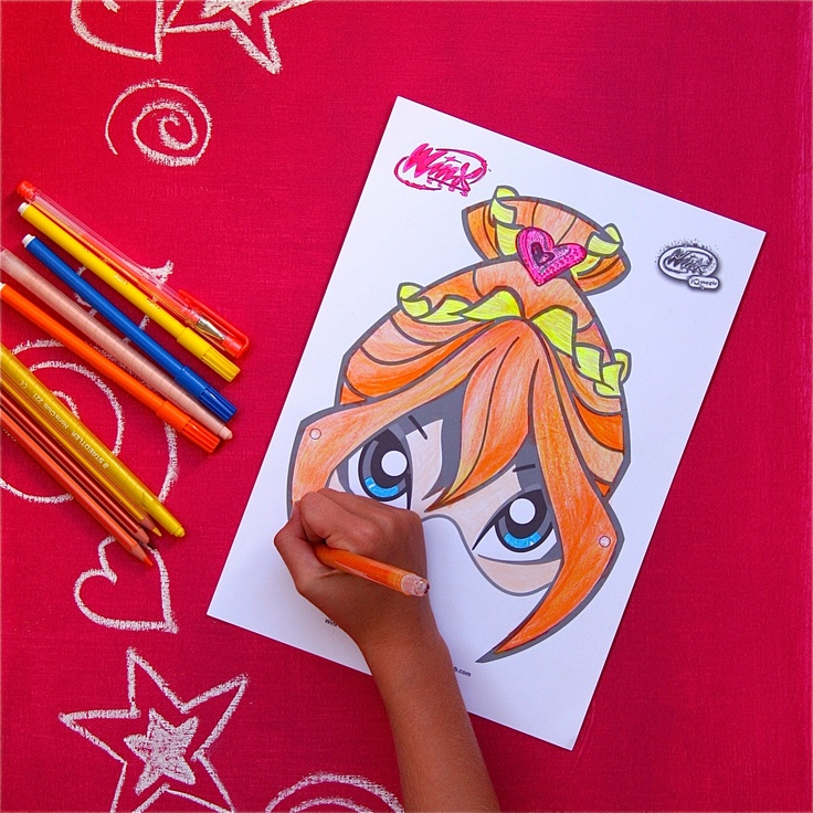 www.playwinxclub.com  - Colour in Bloom - Magic Mask