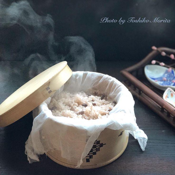 いいね!140件、コメント7件 ― もりたとしこさん(@moritsukeshi)のInstagramアカウント: 「お赤飯 大好きで、時々無性に食べたくなり、炊きます。 ささげや餅米は常備しています。 時間と気持ちに余裕がある時は手間はかかりますが、蒸し器で。 やっぱり味が数倍違うから。…」