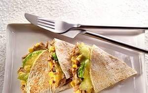 Μεξικανικη τορτιγια με τονο και καλαμποκι