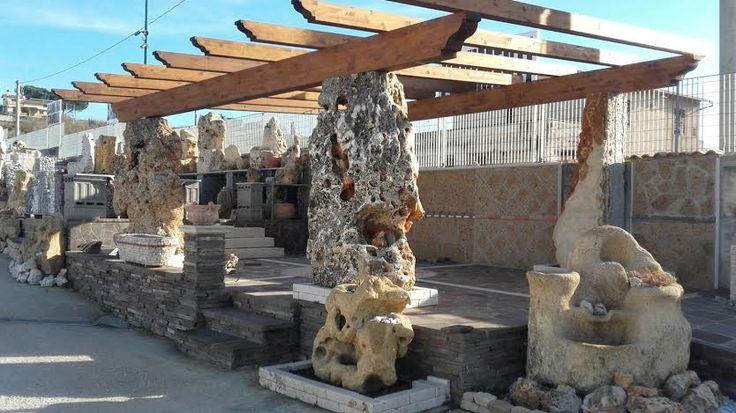 Gazebo con colonne in pietra