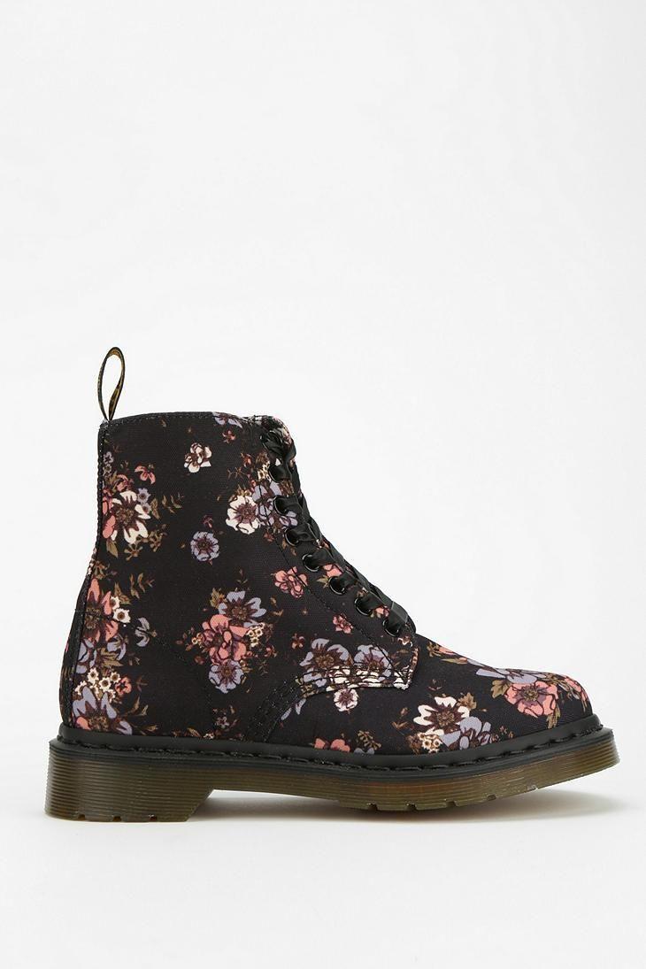 dr martens wild rose 8 eye boot doc martens boots and floral. Black Bedroom Furniture Sets. Home Design Ideas