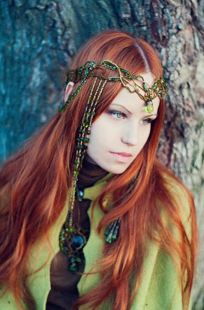 Titania The Fairy Queen by ~ann-emerald on deviantART - headdress made by http://irondragonfly.livejournal.com/