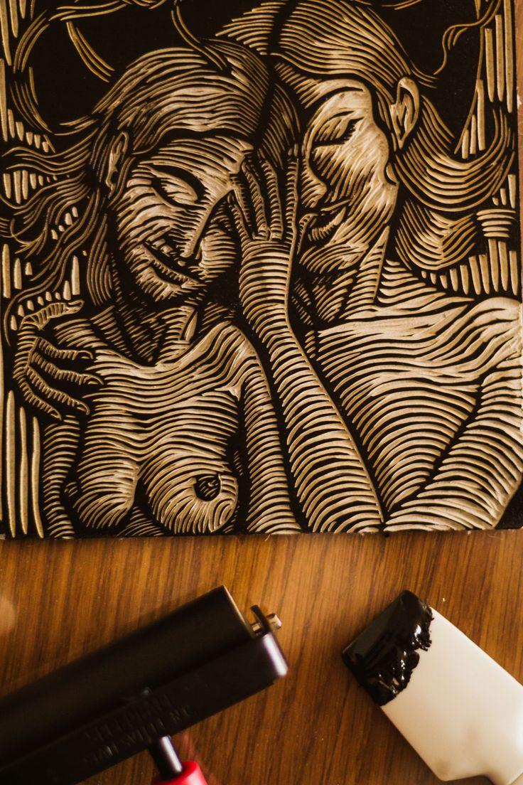 #Linocut inking process, linogravure #printmaker @lisedmarquez_arts