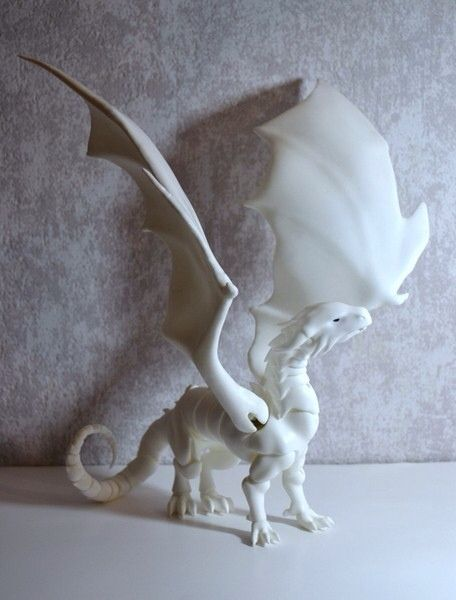 """meanae: """" Cuartodoll will release dragons with wings. And wings (and the extra shoulder parts) separately of course. As awesome as they look (and as realistic too, I'd believe them that they can carry..."""