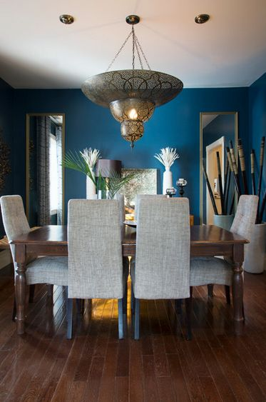 155 best images about paint colors for living rooms on for Peacock blue dining room