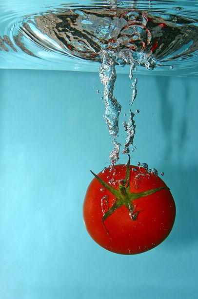 High Speed Photography, tomato red, blue