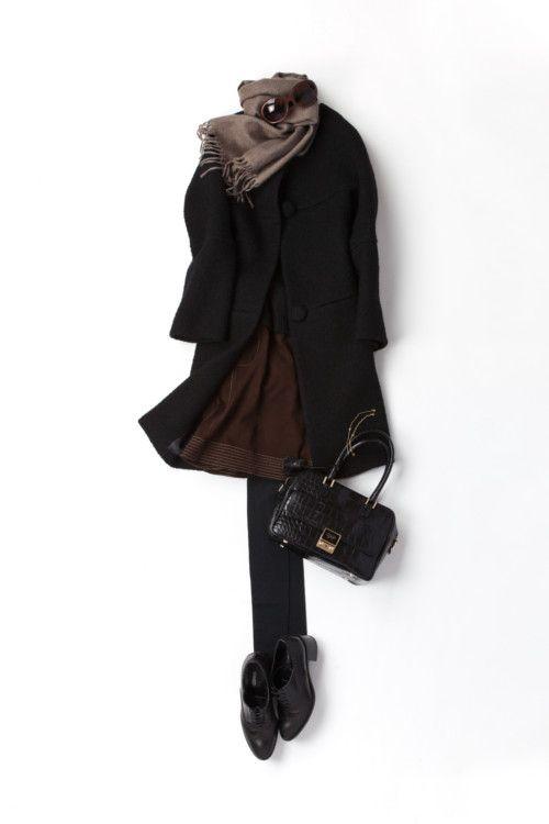 пальто, юбка мини, топ, черные плотные колготки, ботиночки