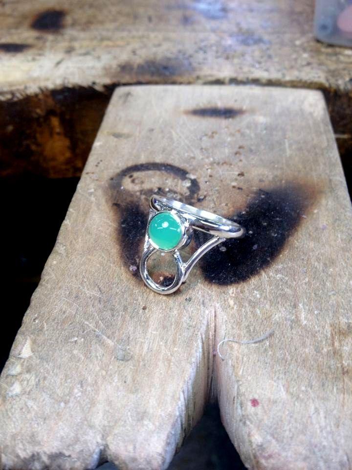 Chryso - ring. sterling silver, chrysoprase. Jade Pauzé, 2014