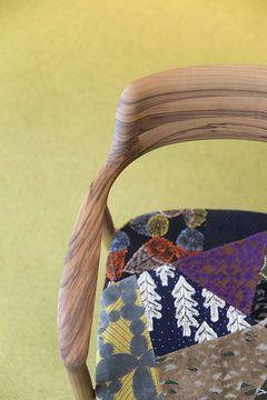 ミナ ペルホネン×マルニ木工 - 個性的な木材を使用したコラボ家具を伊勢丹新宿店で発表の写真1