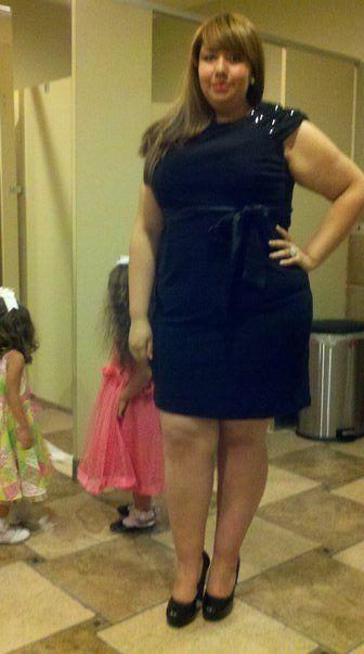 20 год старый студент колледжа из Лос-Анджелеса.  Это мое любимое платье когда-либо.  Мой идеальный LBD для моего размера платье: размер 16 @ jcpennies обувь: размер 9 @ ДСО (им первоначально size20, но это платье побежал большой) grafitifashionista представил