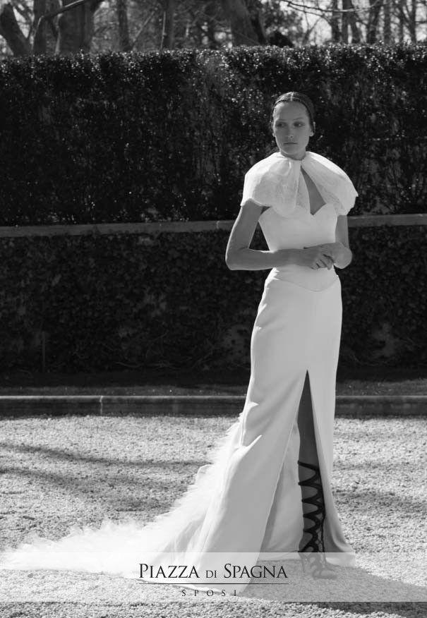 Vuoi vivere un sogno? Indossalo. Entra nell'incantevole mondo degli abiti da sposa Vera Wang su http://www.piazzadispagnasposi.it/collezioni/sposa/vera-wang-sposa-2017/