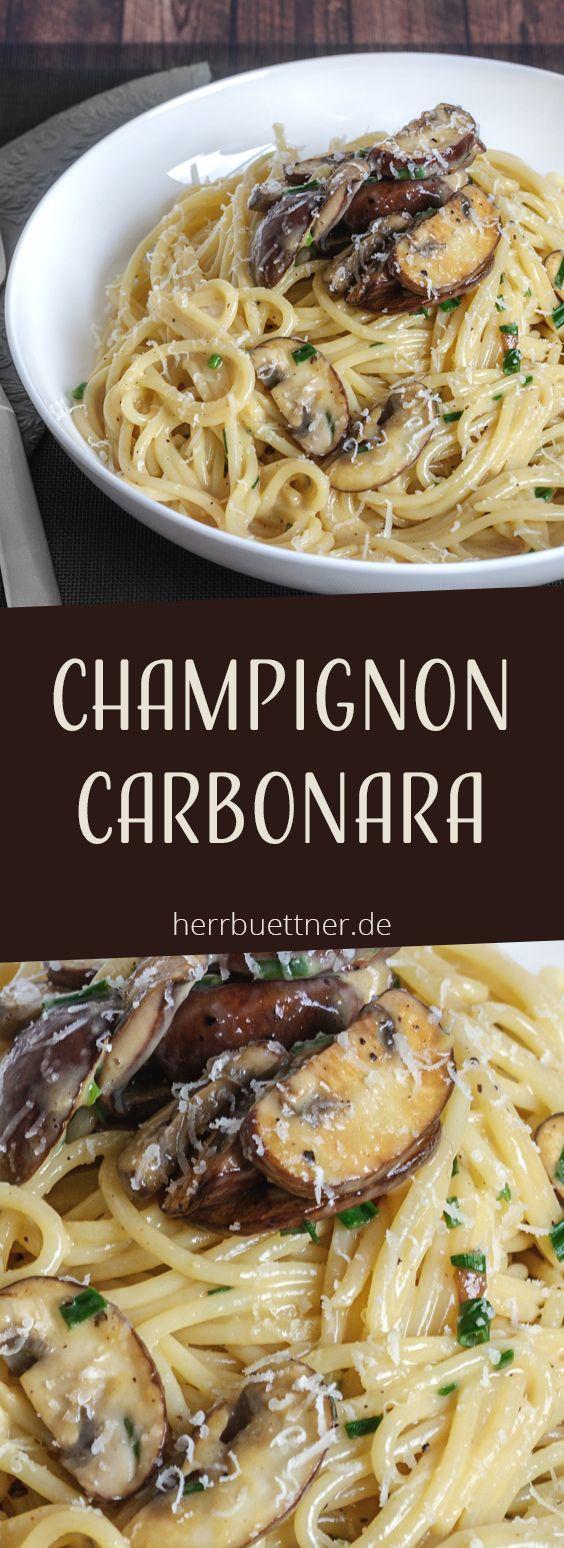 Vegetarische Carbonara mit Champignons und Schnittlauch.