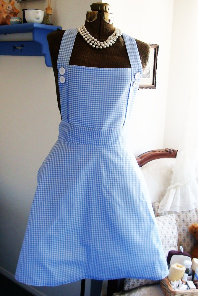 how to make a cheap dorothy costume