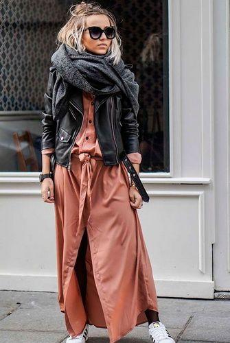 Модные куртки-косухи-2017: и фото образов с женскими косухами из кожи и других материалов
