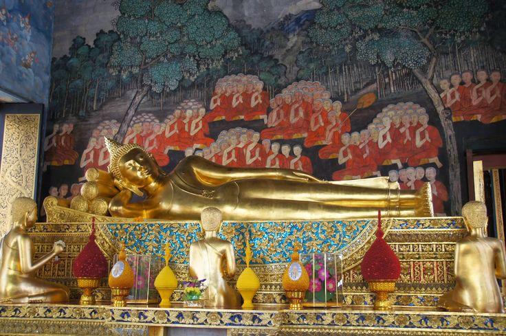 Nirvana of the Buddha | wat Bowonniwet, Bangkok © photo_14' 0810 by soosoo