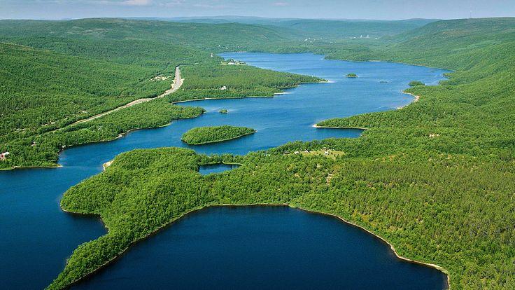 Ainutlaatuinen Meidän maamme -sarja esittelee koko Suomen ja sen upean luonnon ilmasta käsin.
