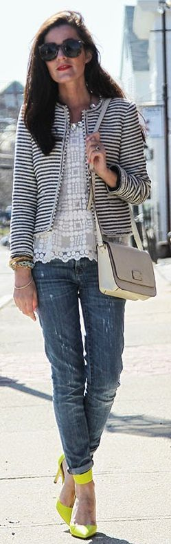 Jeans, striped blazer and neon yellow shoes