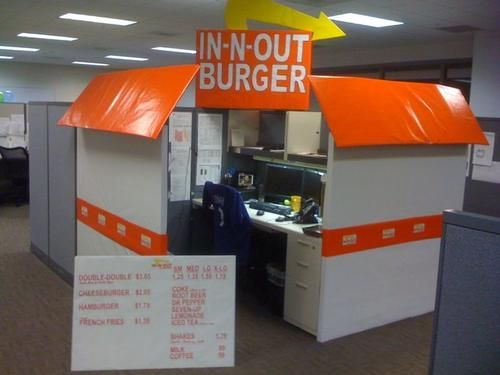creative dress cubicle halloween - Office Halloween Decor