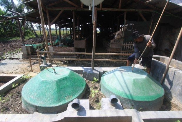Cara Membuat Biogas Dari Kotoran Sapi dan Manfaatnya - http://www.seputarpendidikan.com/2017/03/cara-membuat-biogas-dari-kotoran-sapi-dan-manfaatnya.html