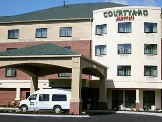 South Portland (ME) Courtyard by Marriott Portland Airport United States, North America Stop at Courtyard by Marriott Portland Airport to discover the wonders of South Portland (ME). Offering a variety of facilities and services, the hotel provides all you need for a good night's sleep. Service-minded staff will welcome and guide you at the Courtyard by Marriott Portland Airport. Guestrooms are fitted with all the amenities you need for a good night's sleep. In some of the roo...