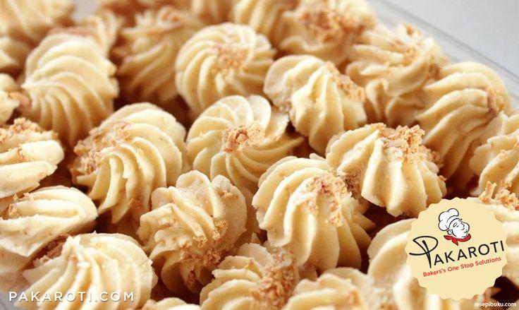 Jangan mengganti tepung sagu dengan tepung tapioka karena dapat mengakibatkan Sagu Keju berakhir keras, tidak renyah dan tidak lumer di mulut. #BakingTips