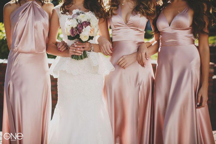 Стильная свадьба. невеста. Свадебное платье. Подружки невесты, свадебная фотосессия, девичник. A stylish wedding. the bride. Wedding dress. Bridesmaids, wedding, Bridal shower