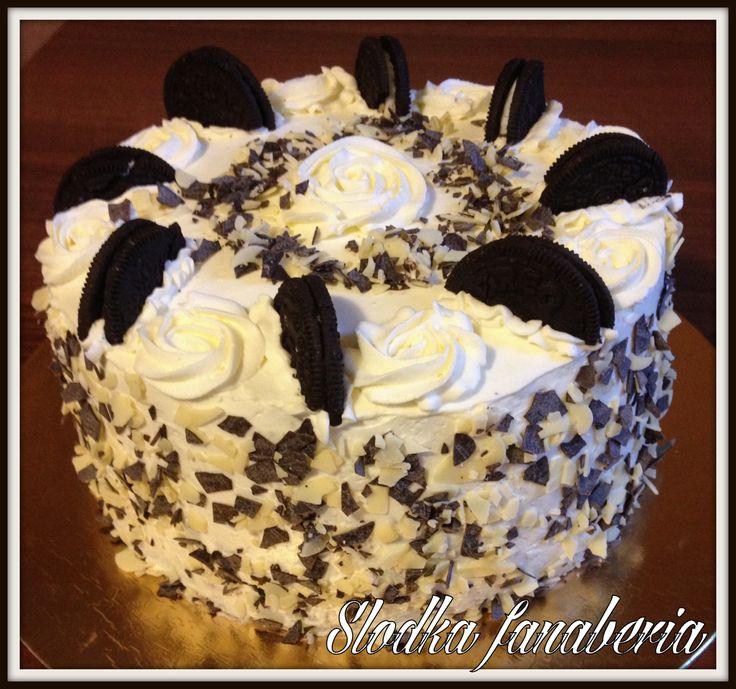 Tort czekoladowy z ciasteczkami oreo