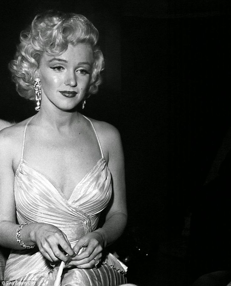 Citaten Marilyn Monroe Movie : Vintage everyday black and white portraits of
