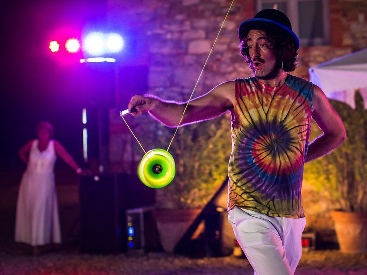 For the prefect wedding reception: Wedding Entertainment, DJ's and Life Acts in Tuscany