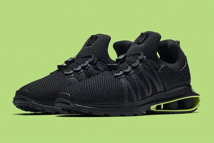 Nike Shox Gravity Shows its Dark Side
