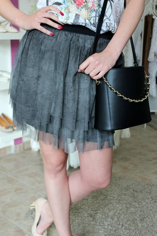 Grey short tulle skirt