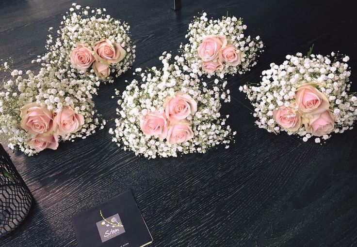 Pale pink roses and gypsophila #lythamfowers #lythamwedding #weddingflowers Www.thelythamweddingcomoany.co.uk