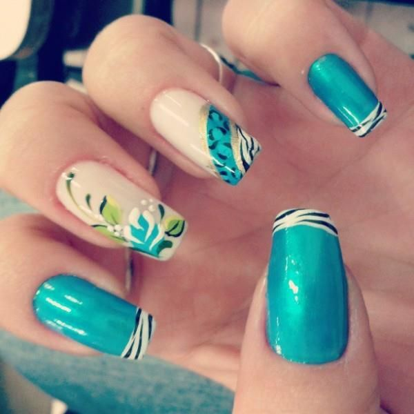 unhas azuis,zebrinha, flores, desenhos, unhas artísticas